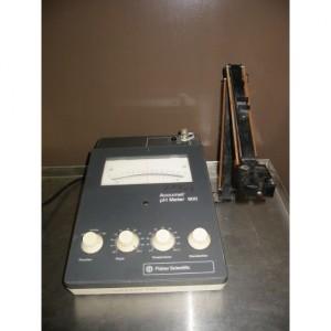 Fisher Accumet 900 Analog pH meter